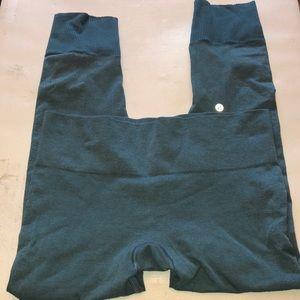 Lululemon – knit like bight waist leggings